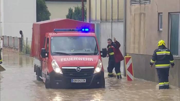 News video: Starkregen sorgt in Österreich für Überschwemmungen