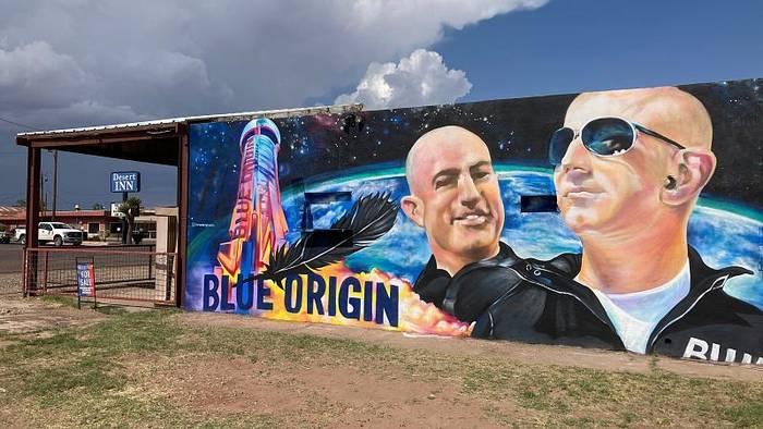 Video: Jeff Bezos: Einmal Weltall und zurück in sieben Minuten