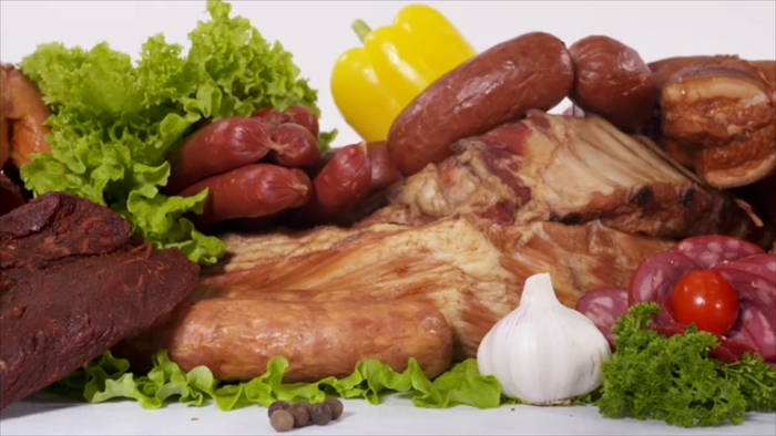 News video: Junkfood: Stark verarbeitete Fleischprodukte steigern das Risiko von Herzkrankheiten