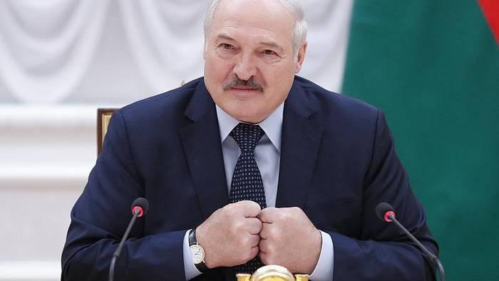 Video: Säuberungsaktion in Belarus: Lukaschenko löst massenhaft NGOs auf