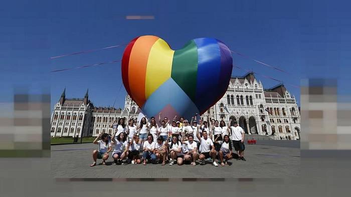 News video: Inmitten Debatte um LGBTQ-Gesetz: Tausende zu Gay Pride in Budapest erwartet