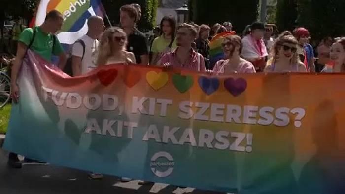 News video: Tausende beim Pride-Marsch in Budapest gegen Anti-LGBTQ-Gesetz