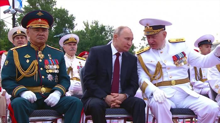 News video: Tag der russischen Seestreitkräfte – Putin: