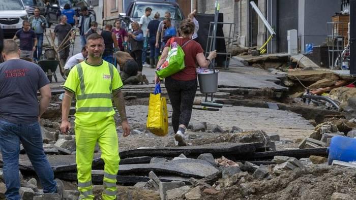 Video: Keine Entwarnung für die Schweiz - Hochwasser in Belgien und London