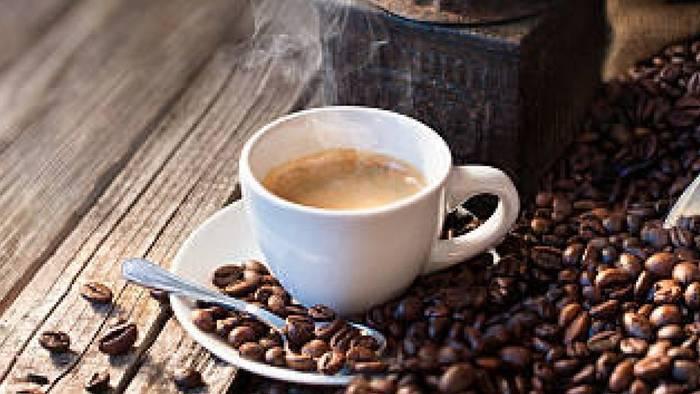 Video: Darum wird Kaffeetrinken bald teurer
