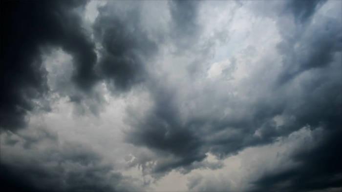 Video: Hier ist sogar der Regen künstlich: Dubai macht Wetter selbst