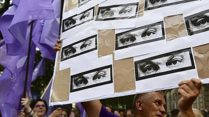 News video: Nach Pegasus-Enthüllungen: Hunderte protestieren in Ungarn