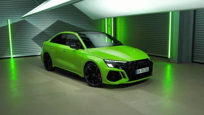 News video: Der neue Audi RS 3 - Starke Verzögerung - Sechskolben-Stahl- und Keramik-Bremsanlage