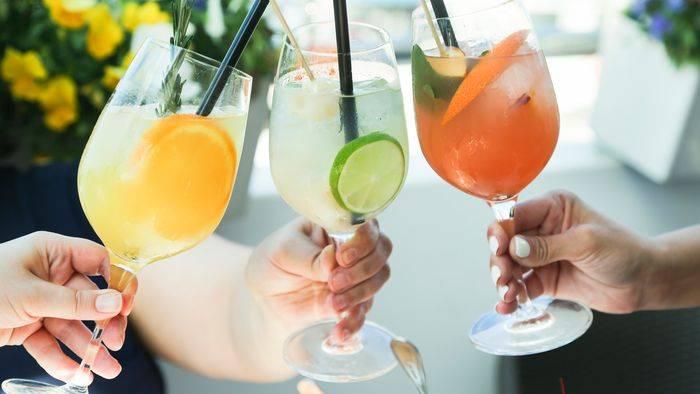 Video: Abkühlung im Glas: Die besten Getränke für heiße Sommertage