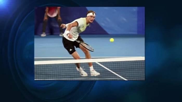 Video: Tränen in Tokio: Alexander Zverev (24) besiegt Novak Djokovic und steht im Finale