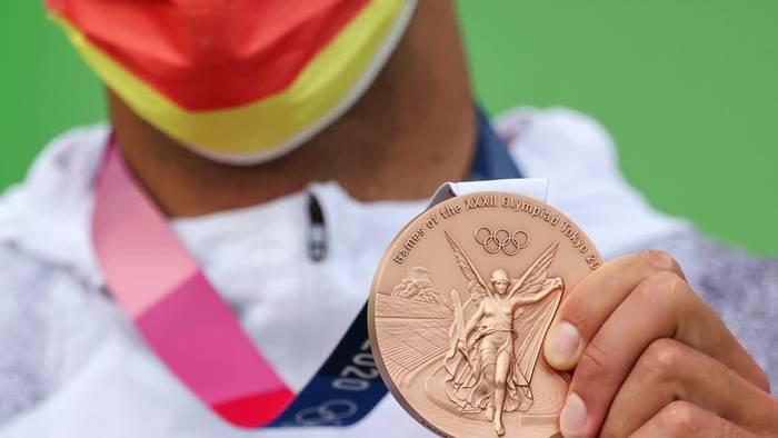 Video: Olympia-Update: Zverev kurz vor Gold - Corona-Zahlen steigen
