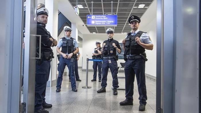 News video: Einreiseverordnung beschlossen: Geimpfte im Vorteil