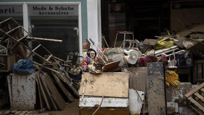 News video: Nach der Flutkatastophe: Was wollten Rechtsextreme und Querdenker in Ahrweiler?
