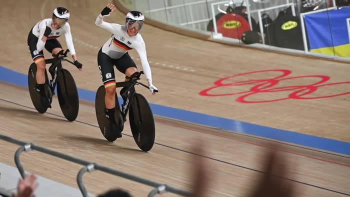 News video: Bahnrad: Gold und Weltrekord-Show des Frauen-Vierers
