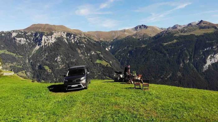 """Video: #5 Gründe, warum die """"Grand Tour of Switzerland"""" dein nächster Roadtrip werden sollte"""