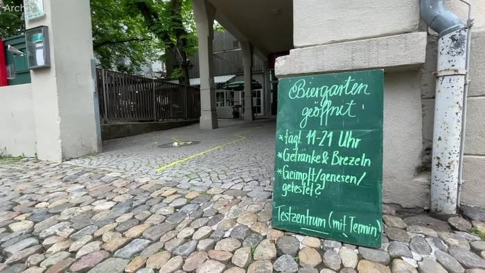 Video: Baden-Württemberg macht auf - für Geimpfte
