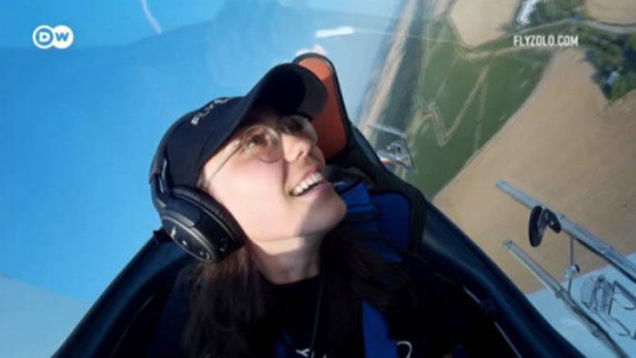 News video: Junge Pilotin Zara Rutherford strebt Solo-Weltrekord an