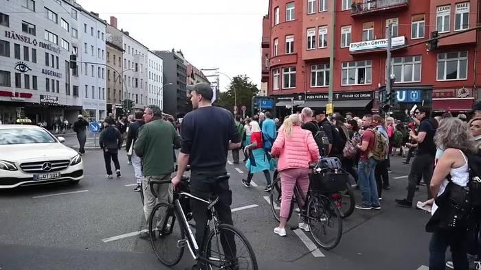 News video: Großeinsatz: Demos gegen Corona-Politik in Berlin