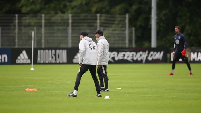 News video: Vor WM-Quali: Flicks erstes Training ohne Neuer und Süle