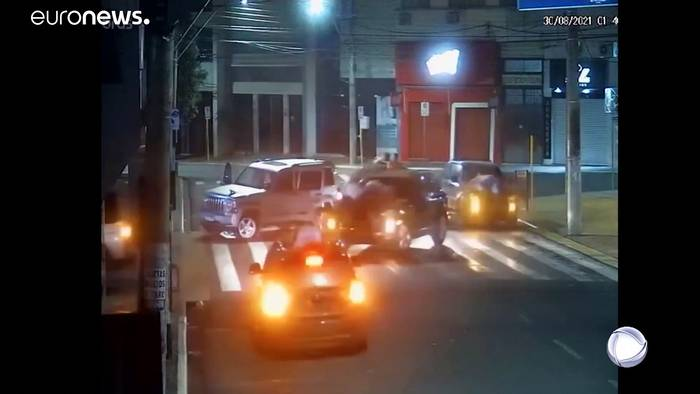 Video: Brasilien: Bankraub per Rollkommando - mehrere Tote