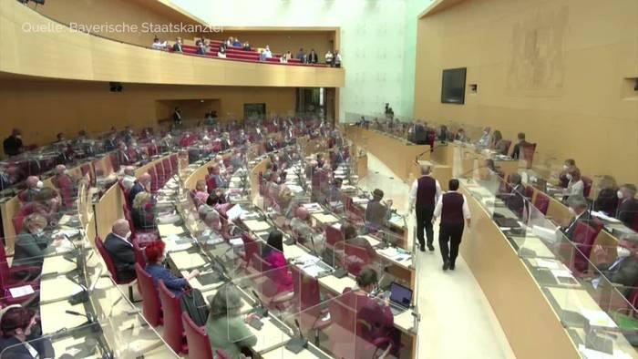 Video: Ministerpräsident Söder verteidigt neue Corona-Strategie