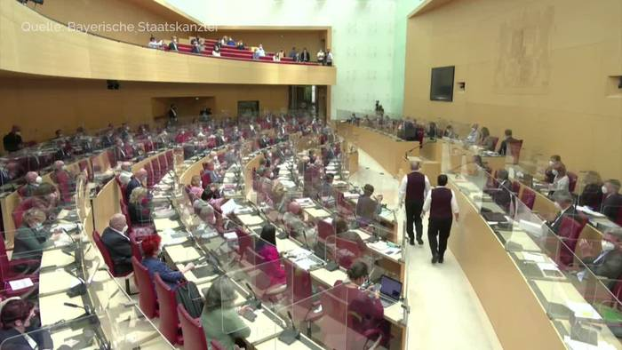 News video: Ministerpräsident Söder verteidigt neue Corona-Strategie