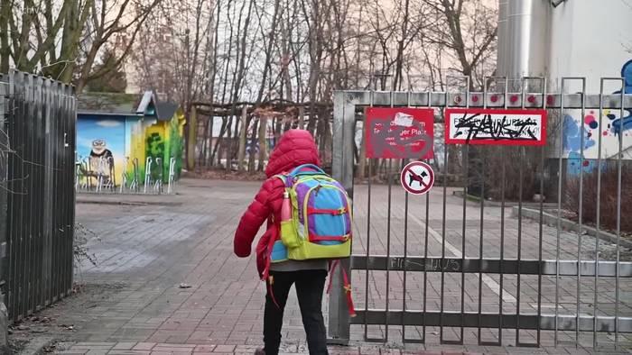 News video: Gesundheitsminister: Nicht mehr ganze Klassen in Quarantäne