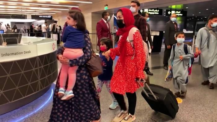 News video: Erster Ausreiseflug aus Afghanistan seit dem Abzug der US-Armee