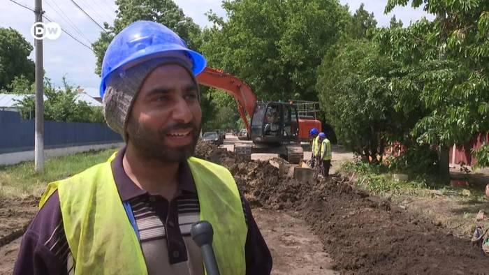 News video: Indische Gastarbeiter auf rumänischen Baustellen