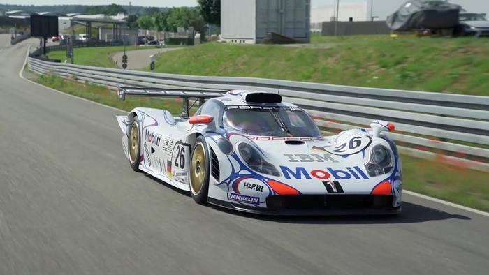 News video: Die Erfolgsgeschichte von Porsche in Le Mans – Folge 5 - Timo Bernhard trifft Norbert Singer