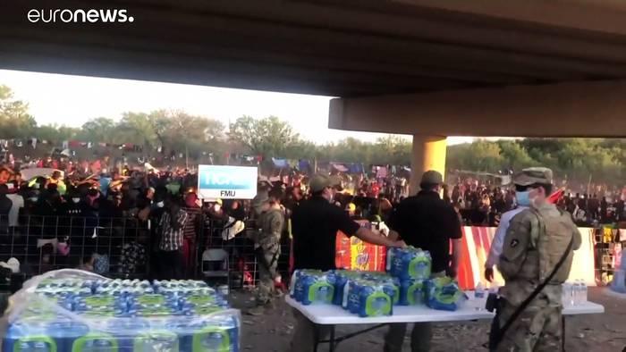 Video: 10.000 Menschen aus Haiti unter Brücke in Texas gestrandet