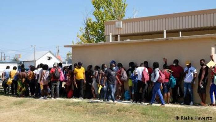 News video: Migranten in Texas zwischen Hoffen und Bangen