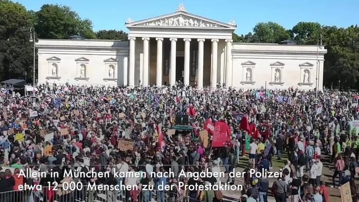 News video: Tausende Menschen demonstrieren für mehr Klimaschutz