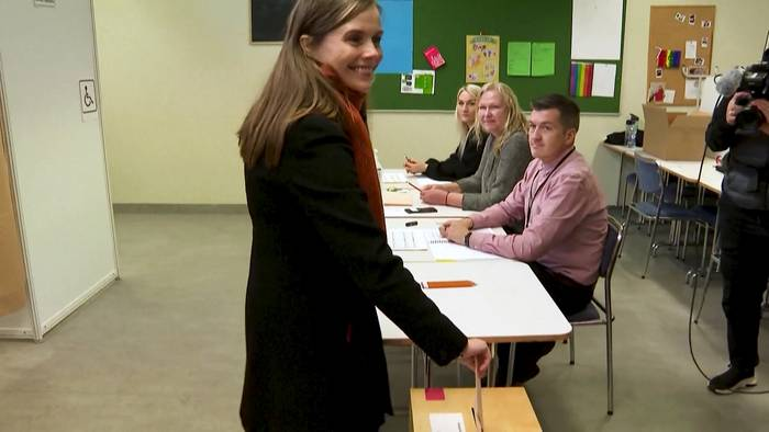 Video: Knappes Rennen: Parlamentswahl in Island