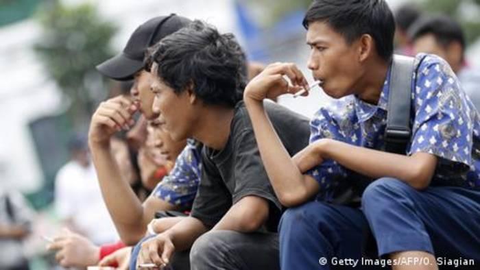 News video: Indonesien bekämpft illegalen Tabak-Handel