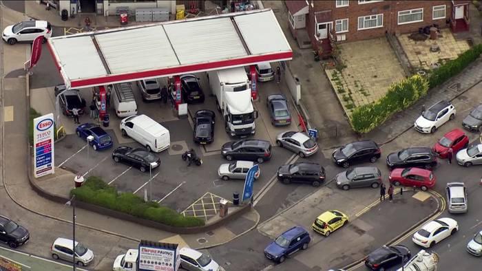 News video: Kampf gegen Engpässe: London entsendet 200 Militärs an die Treibstoff-Front
