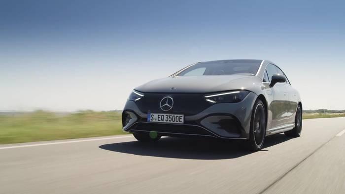 News video: Der neue Mercedes-Benz EQE - Mit den guten Genen des EQS