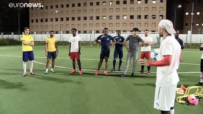 News video: Mit Fußball gegen Rassismus: Migrantenmannschaft in Mailand