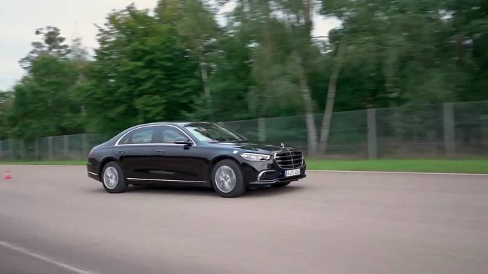 News video: Der neue Mercedes-Benz S 680 GUARD 4MATIC - erste GUARD Limousine mit 4MATIC