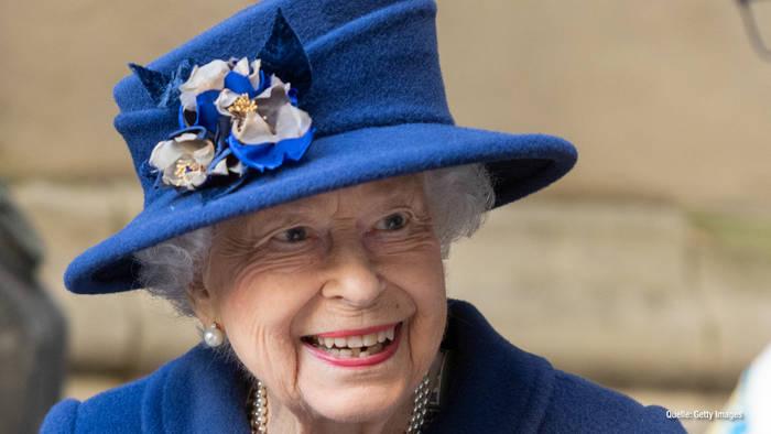 News video: Queen Elizabeth II.: Jetzt braucht sie eine Gehhilfe