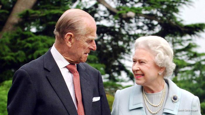 News video: Queen Elizabeth II. nach Klinikaufenthalt: Kampf zwischen Kopf & Körper?